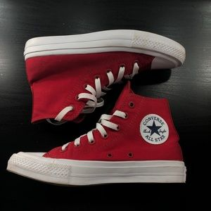 RED CONVERSE HIGH TOP SIZE 7 BARELY WORN